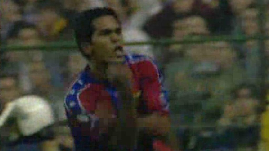 Giovanni con la camiseta del FC Barcelona