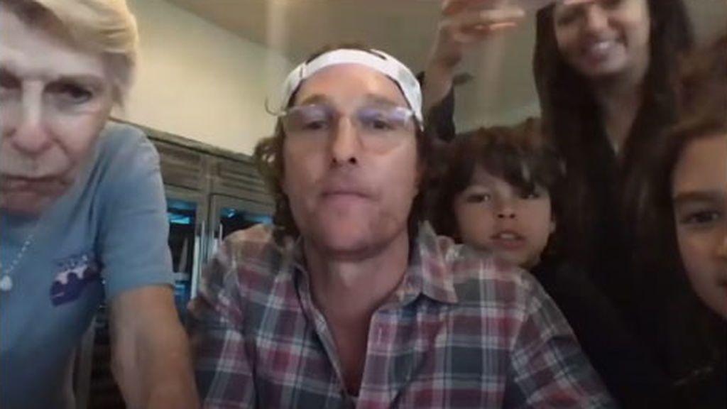 Matthew McConaughey y su familia, jugando al bingo en cuarentena
