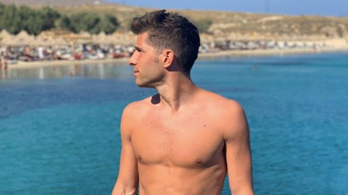 """Sergi Roberto sorprende a sus seguidores tatuándose todo el pecho: """"Tu elegancia no la puedes perder"""""""
