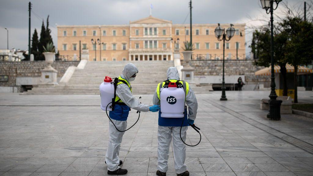 ¿Por qué Grecia presume de contener el impacto del coronavirus?