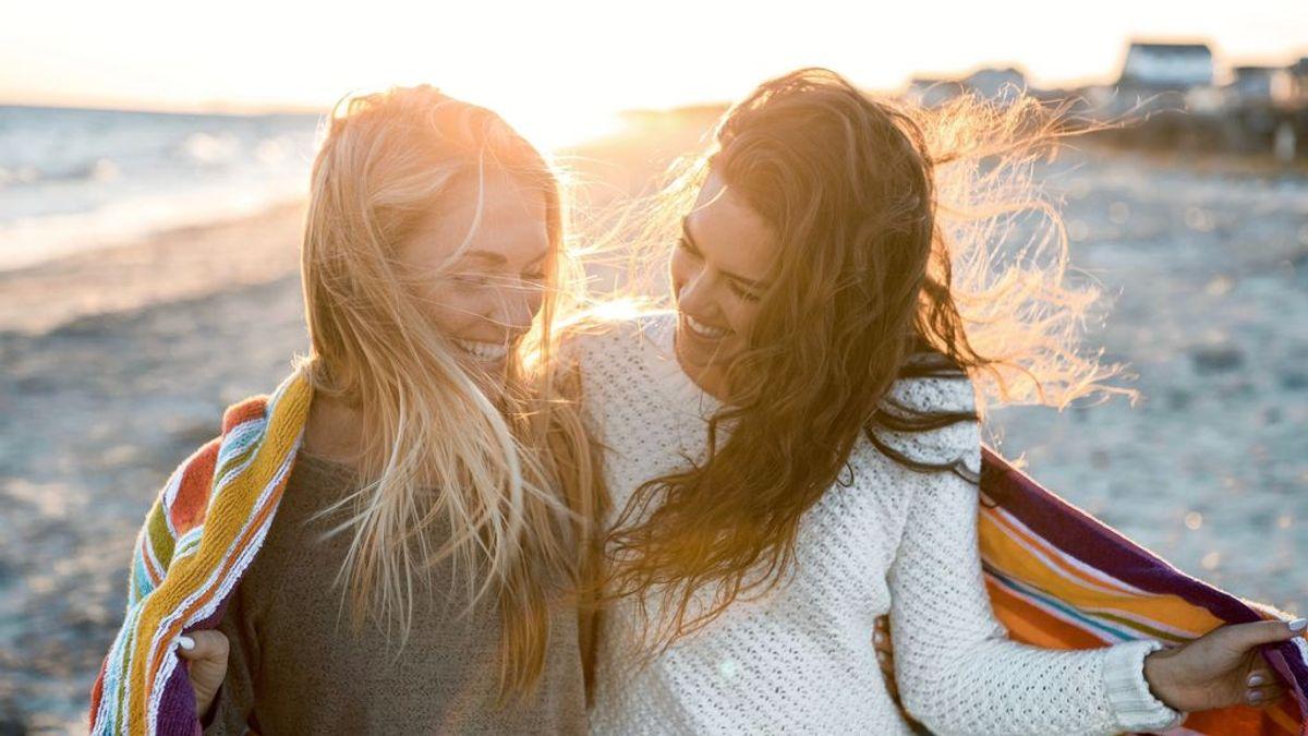 Estoy enamorada de mi mejor amiga y no sé si decírselo