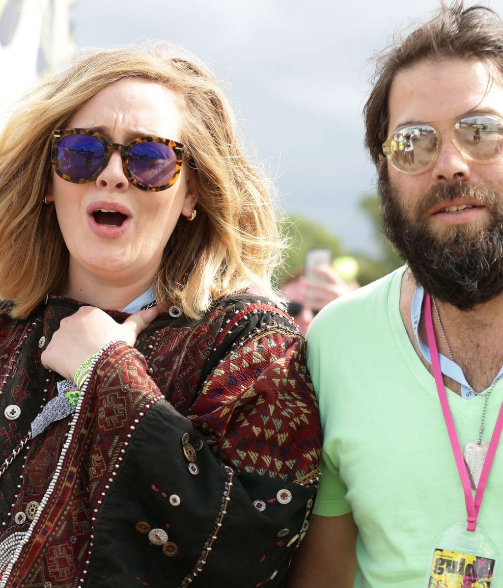 Adele y su marido, en el Glastonbury Festival (2015)