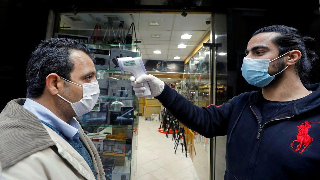 La expansión del coronavirus se acelera en África: un continente joven pero enfermo