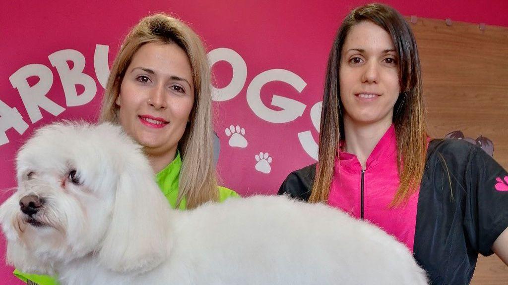 Xandra Martínez y Sandra Vicente, peluqueras caninas
