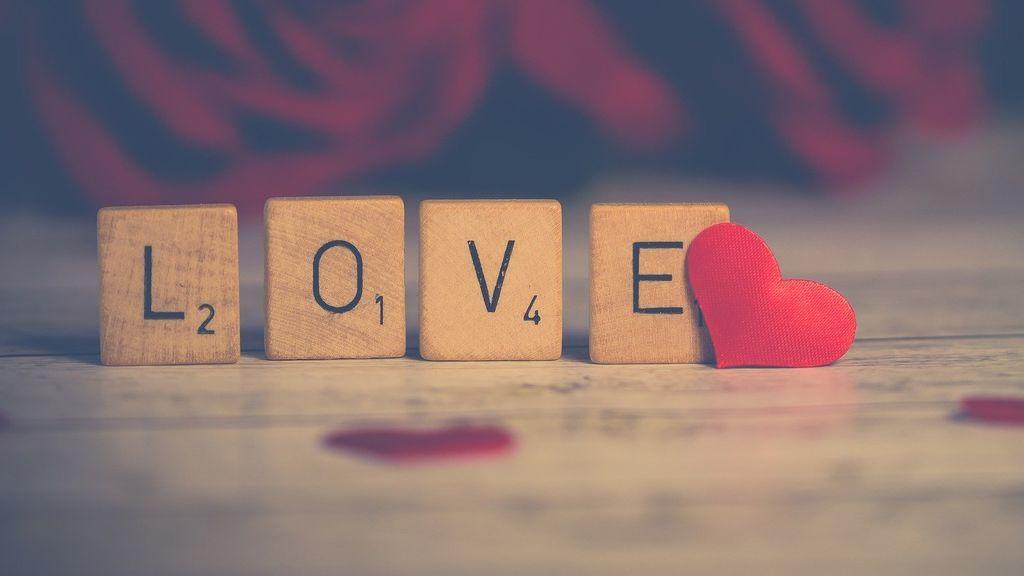 Los 5 mejores planes románticos sin salir de casa