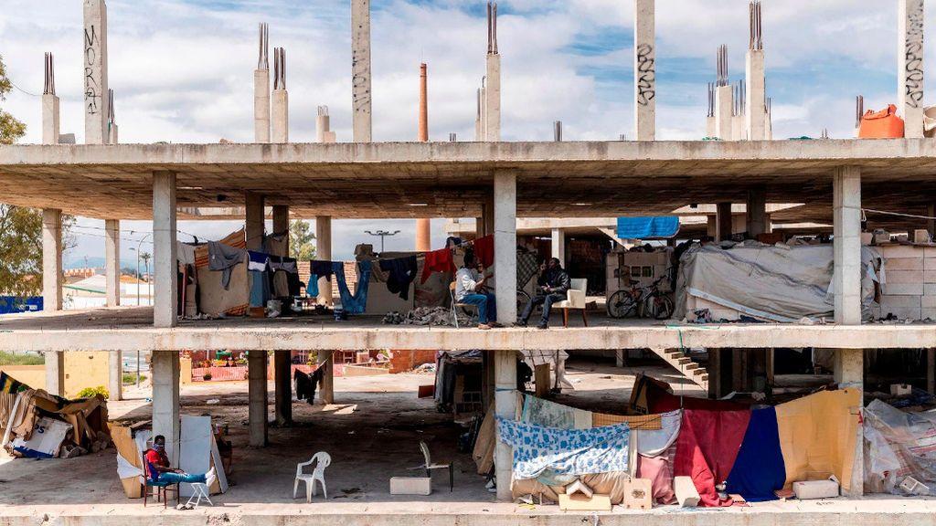 50 inmigrantes obligados a confinarse en un edificio en obras en Murcia