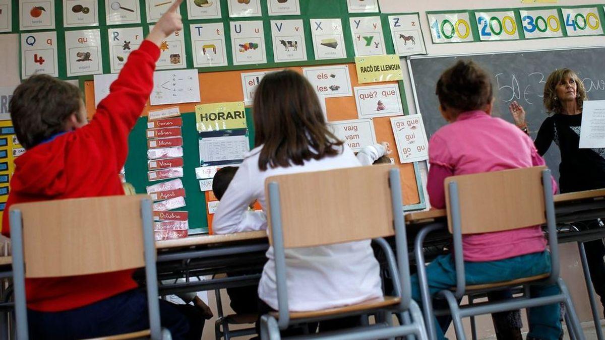 Profesores confinados convierten su domicilio en aulas