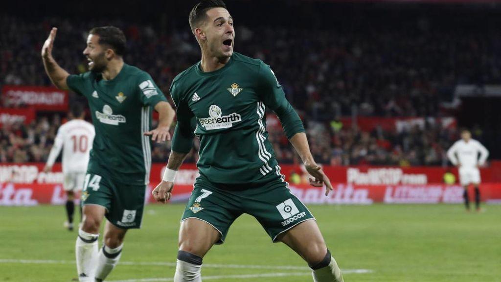 Goleada del Betis al Sevilla durante un derbi sevillano que acabó 3-5 para los béticos