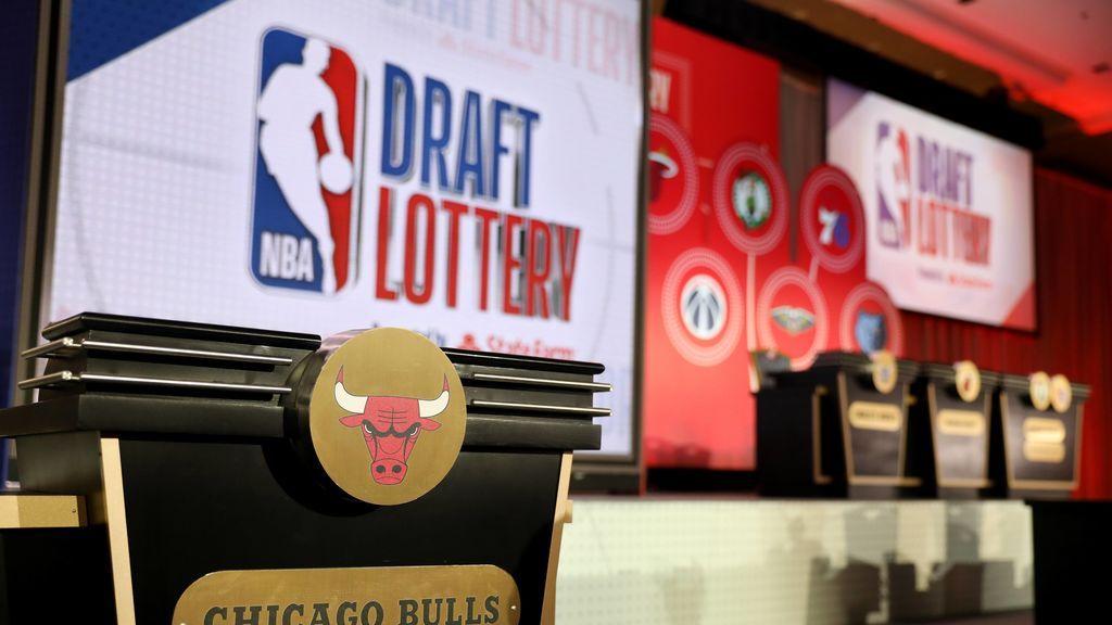 Imagen durante el sorteo de la lotería Draft en la NBA