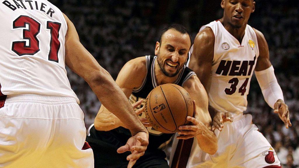 Manu Ginobili durante un partido de los Spurs contra Miami Heat