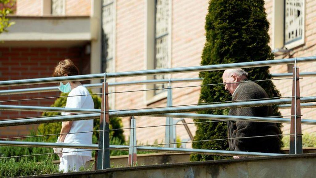 Unos 8.500 mayores usuarios de residencias han fallecido en España en el marco de la pandemia