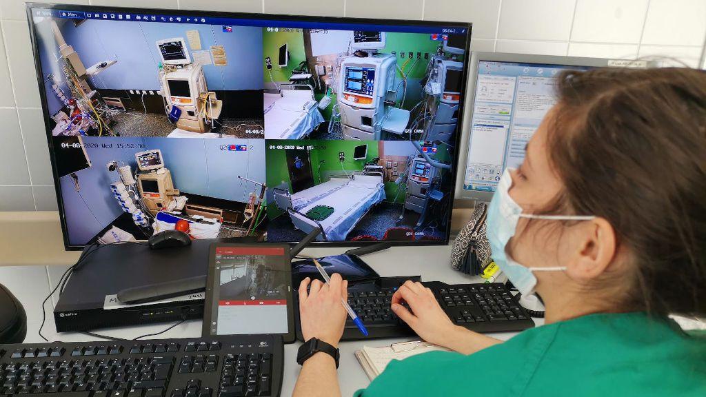 Cámaras con control remoto para vigilar a los enfermos críticos con coronavirus en Alicante
