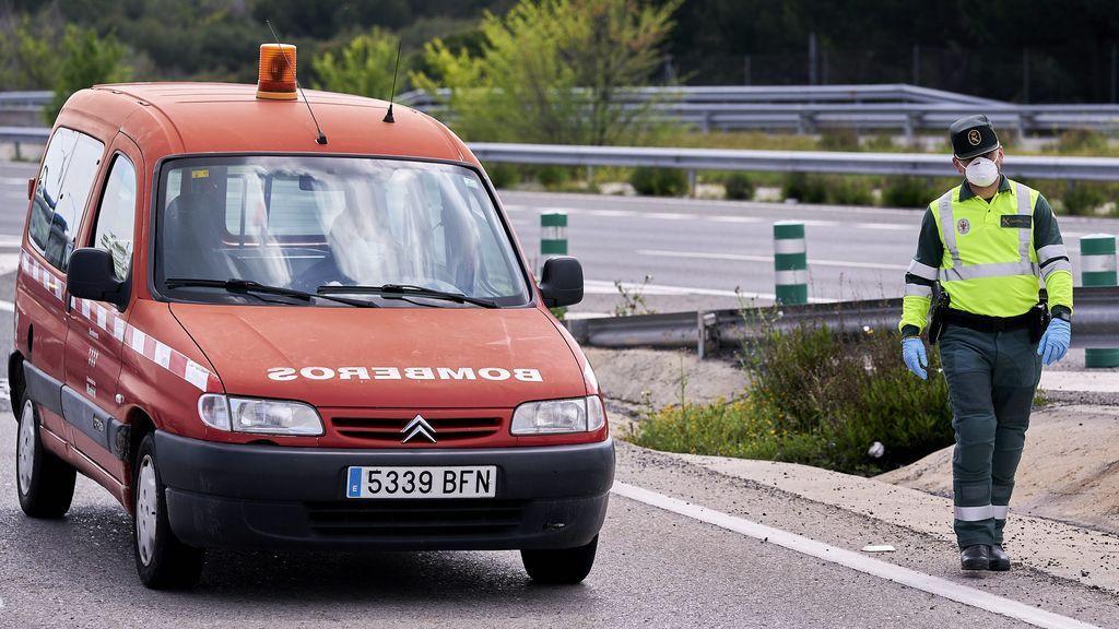 Tres jóvenes mueren en un accidente de tráfico en Almería tras caer su vehículo por un barranco