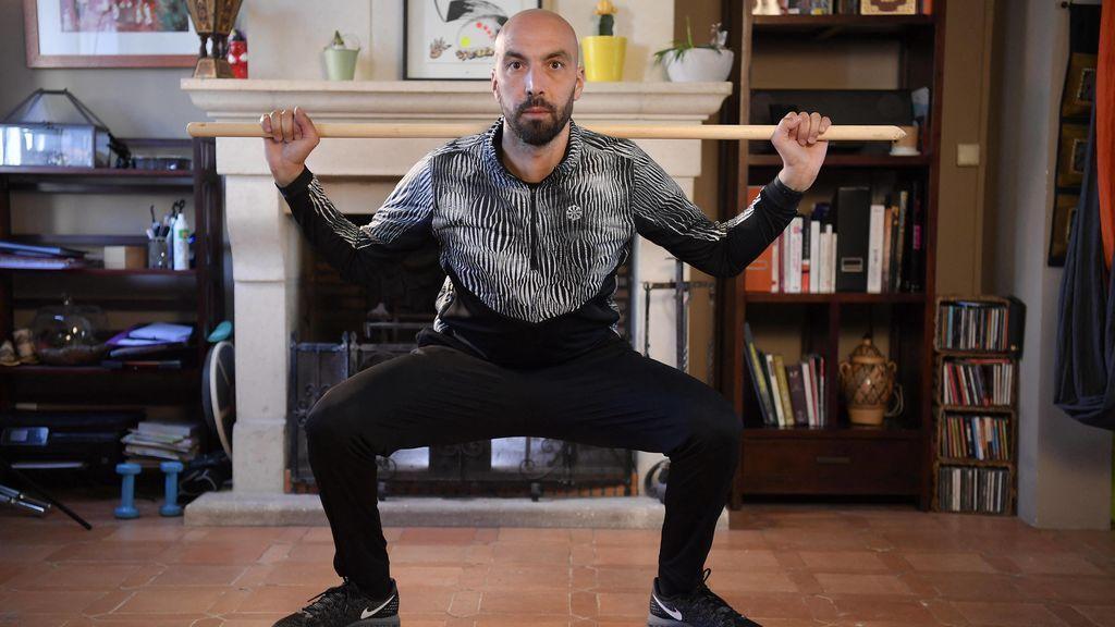 Entrena esta rutina en casa de 30 minutos para lograr unas piernas fuertes