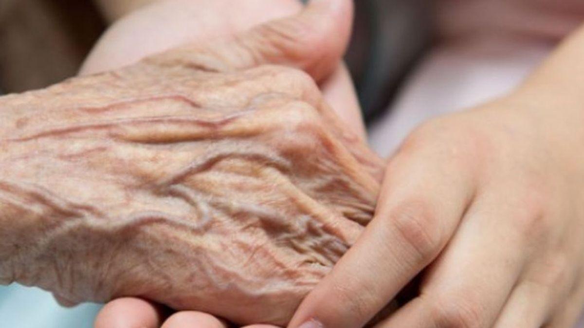 Madrid cambiará el protocolo y no considerará la edad un requisito para la hospitalización