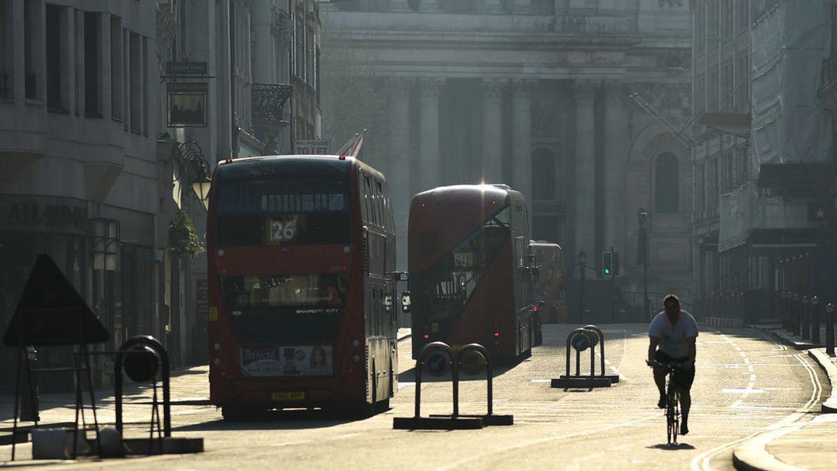 Reino Unido suma 980 fallecidos en 24 horas, la cifra más alta hasta el momento