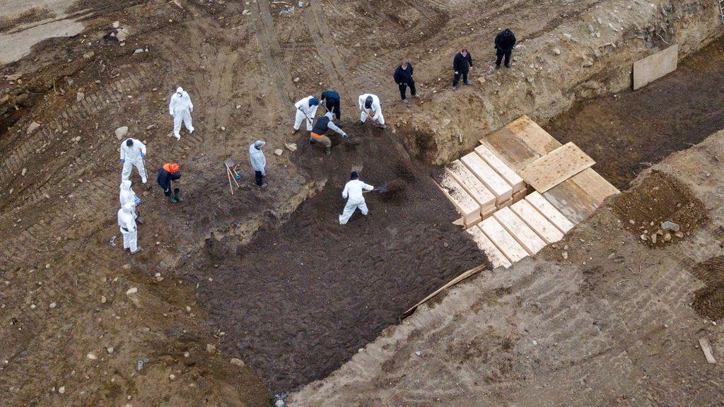 Nueva York empieza a enterrar a muertos de coronavirus en la fosa común de Hart Island