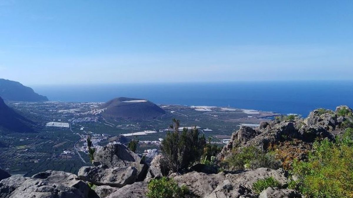 La Guardia Civil sorprende a un hombre de 62 años haciendo pesca submarina furtiva en Tenerife