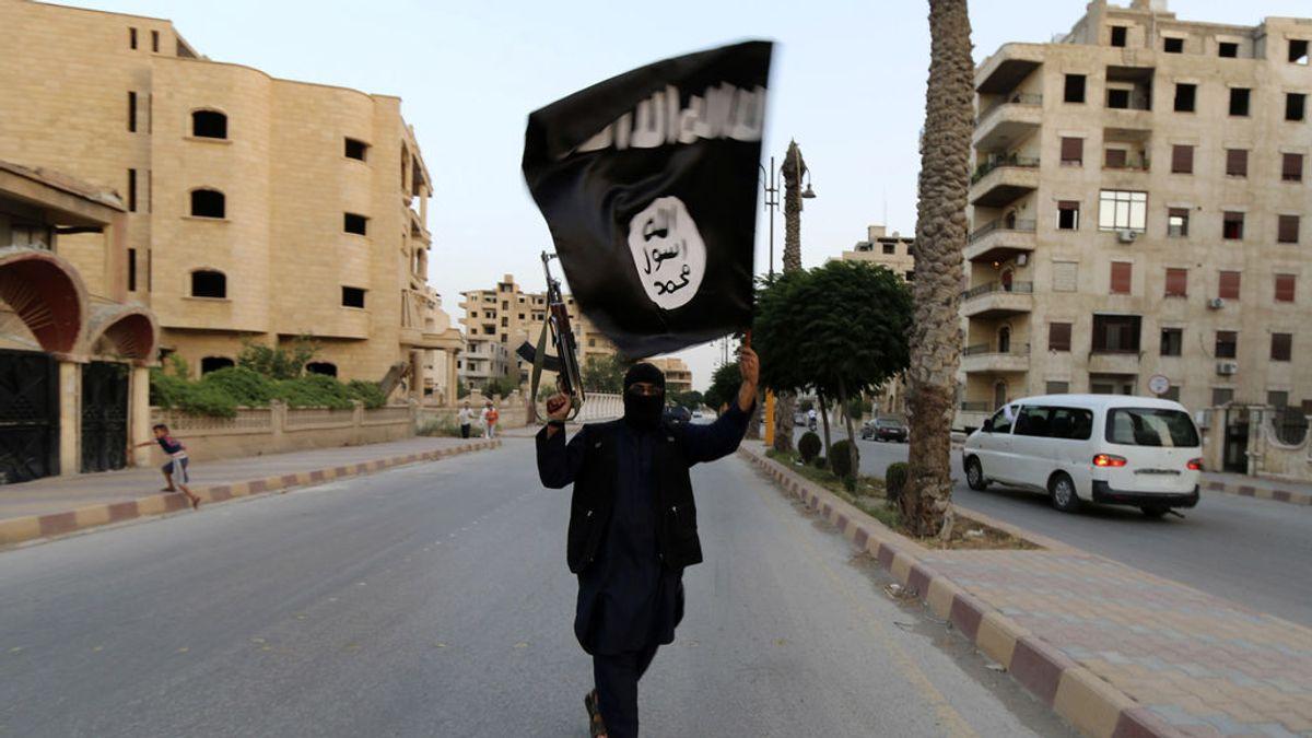 """Al Qaeda y Estado Islámico ven la crisis del coronavirus en Europa como una oportunidad para """"llamar a la yihad"""""""