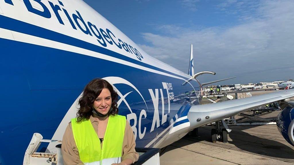 Imágenes de la llegada del avióncargado con 113 toneladas de material sanitario a Madrid