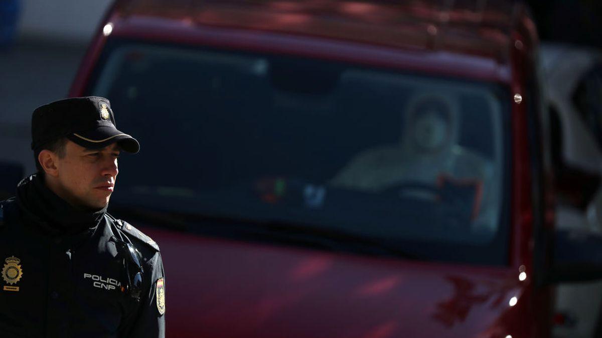 """Una empresa desinfectará """"regularmente"""" los vehículos de la Policía Nacional de manera """"altruista"""""""