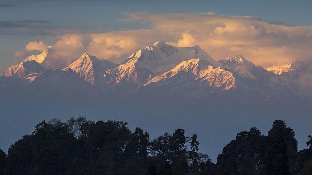 Efectos indirectos de la pandemia: el Himalaya visible desde India por primera vez en 30 años