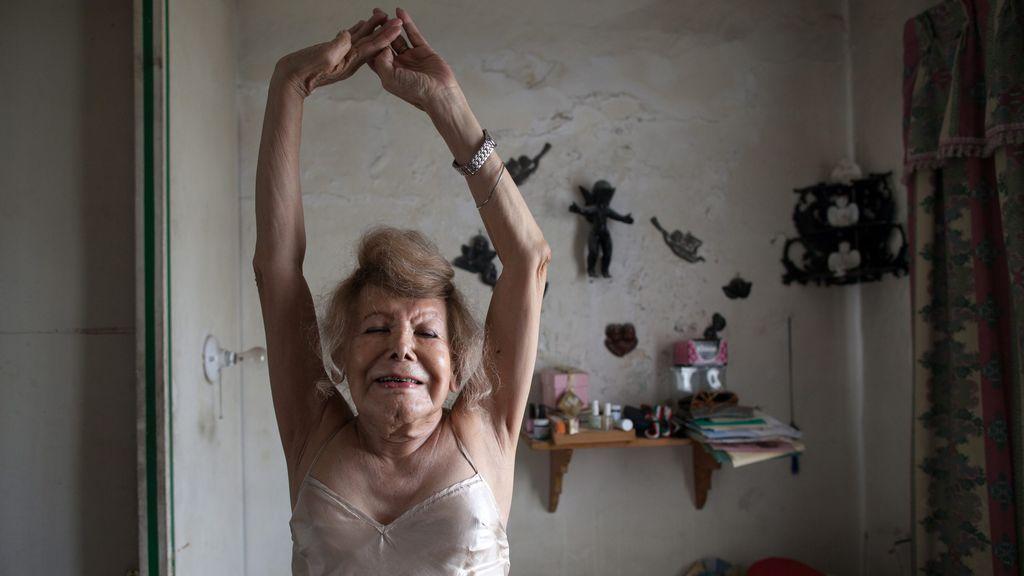 La importancia de los entrenamientos para personas mayores en casa