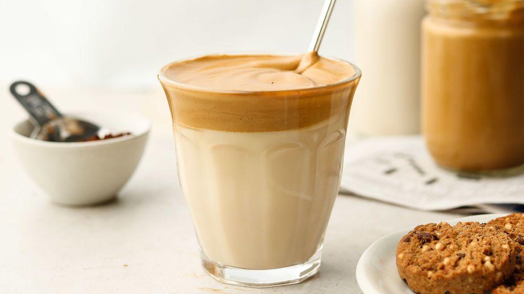 Baristas de cuarentena: así se hace el (espumosísimo) café Dalgona del que todo el mundo presume en casa