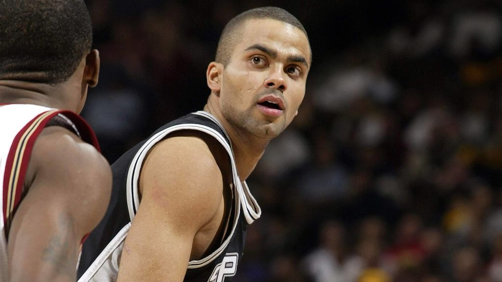Tony Parker durante un partido con los San Antonio Spurs