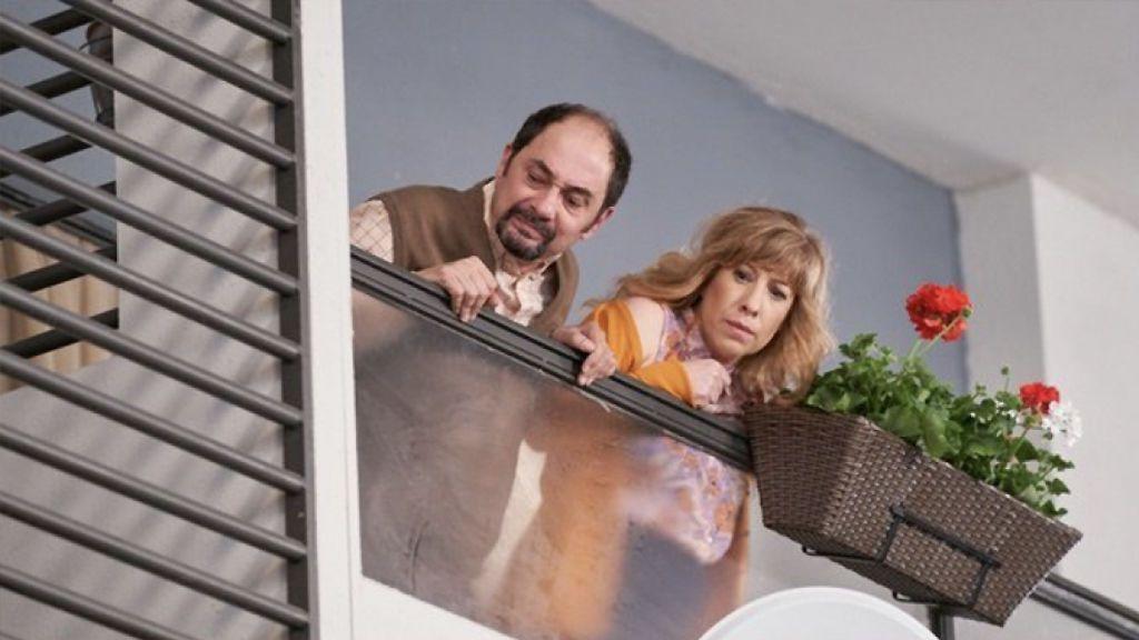 """""""Oído en mi balcón"""": broncas vecinales, lecciones de limpieza o sexo al otro lado de la pared"""