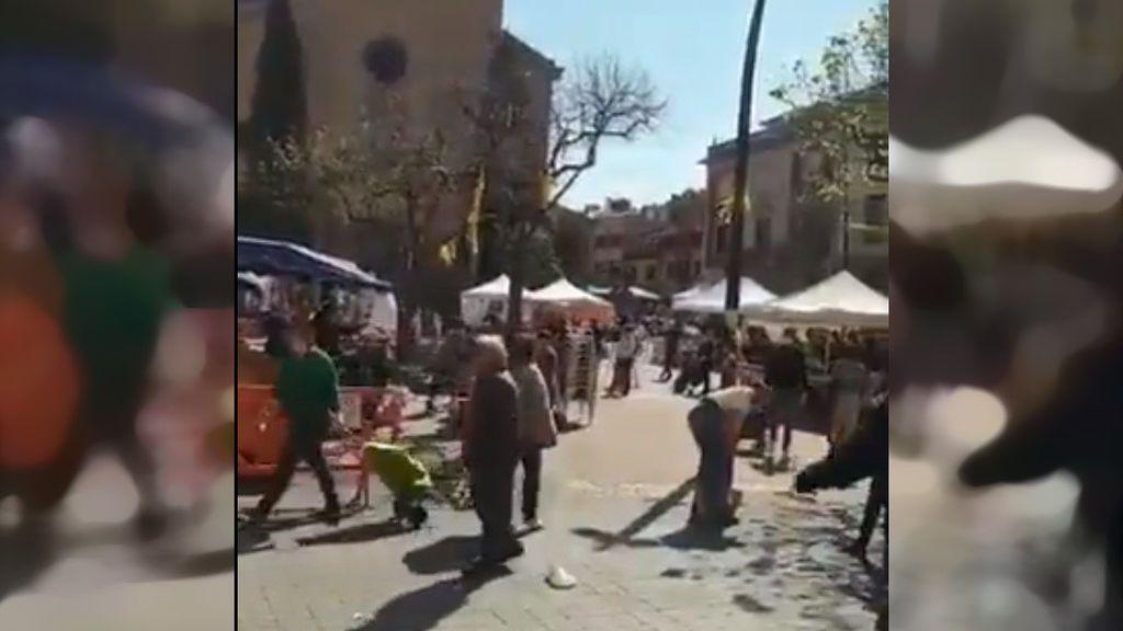 Aglomeracines en el mercado semanal de La Garriga durante el fin de semana