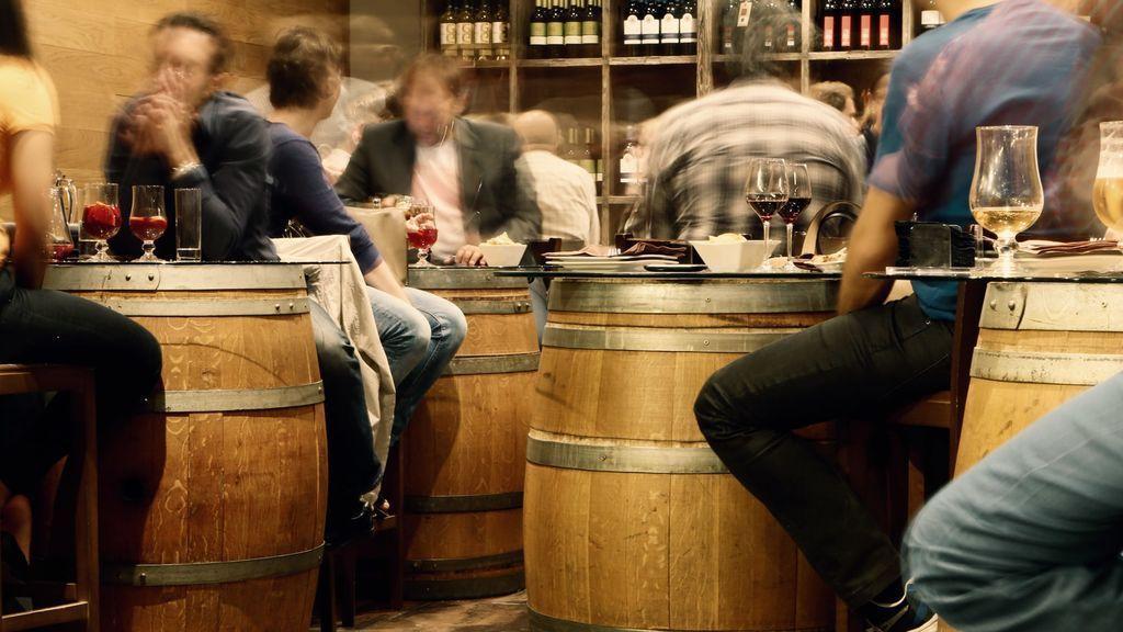 No hay bar sin clientes fijos, nueva entrega de 'Vivan los bares'