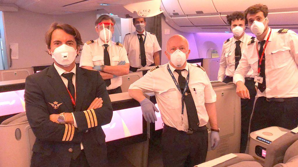 Miembros de la tripulación protegidos
