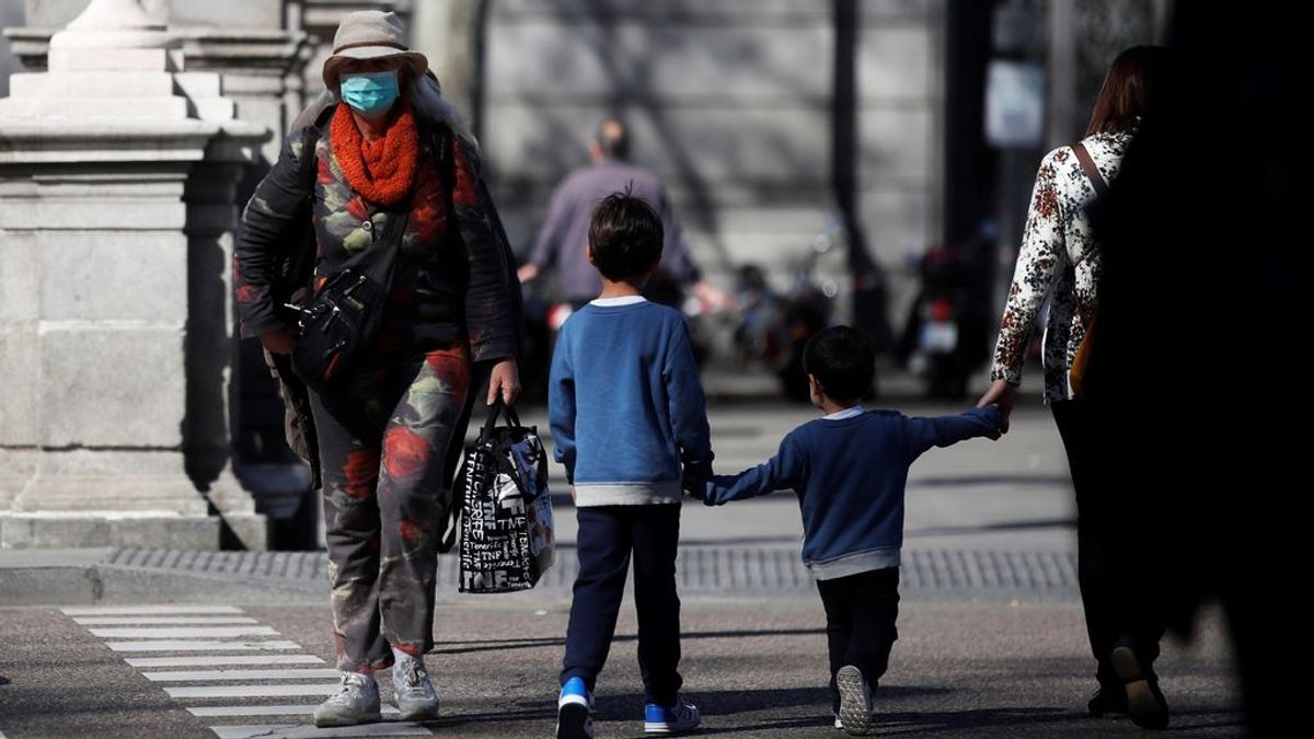 Sanidad considera que los niños no deben salir y los psicólogos abogan por una hora la 'próxima etapa'