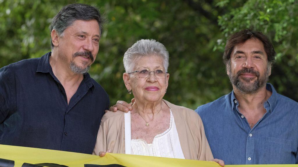 Pilar, Carlos y Javier Bardem, en un acto de Greenpeace (2019)