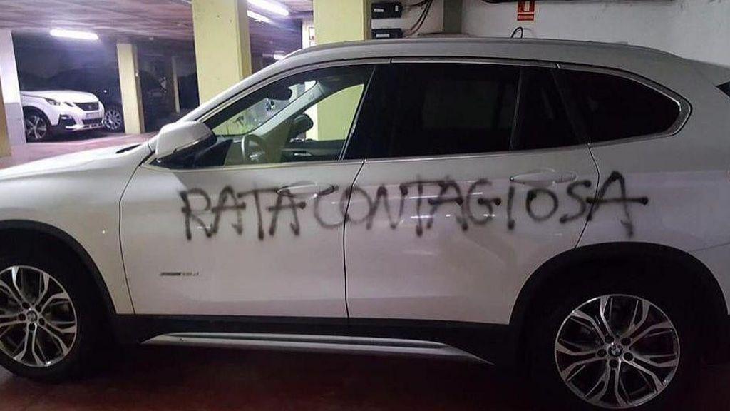 """""""Rata contagiosa"""", la pintada en el coche de una doctora de Barcelona"""