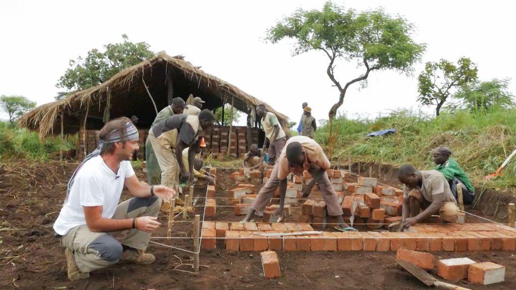 La escuela empieza a levantarse Mzungu. Operación Congo Temporada 1 Programa 4