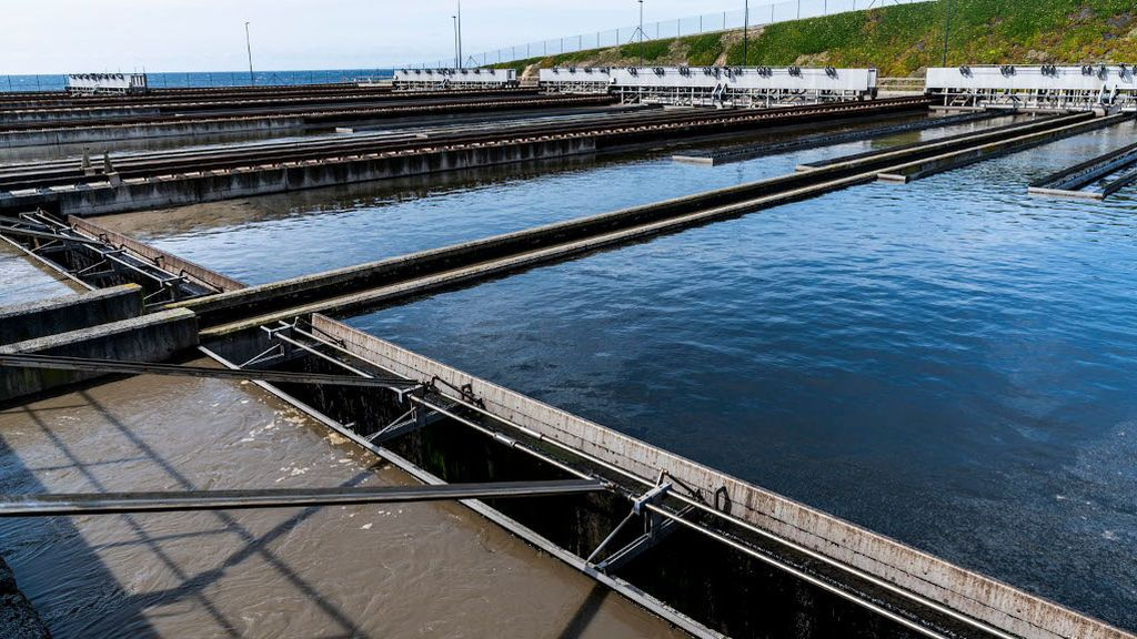 La planta de aguas residuales de A Coruña podrá predecir futuros brotes del Covid-19