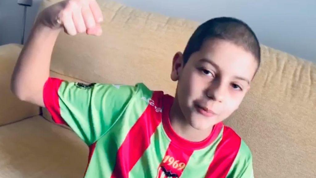 """La carta de agradecimiento de un alevín en Valencia que lucha contra un cáncer: """"Celebramos un gran triunfo"""""""