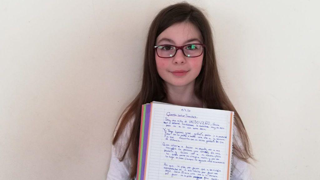 Almudena muestra la carta que escribió al presidente Sánchez