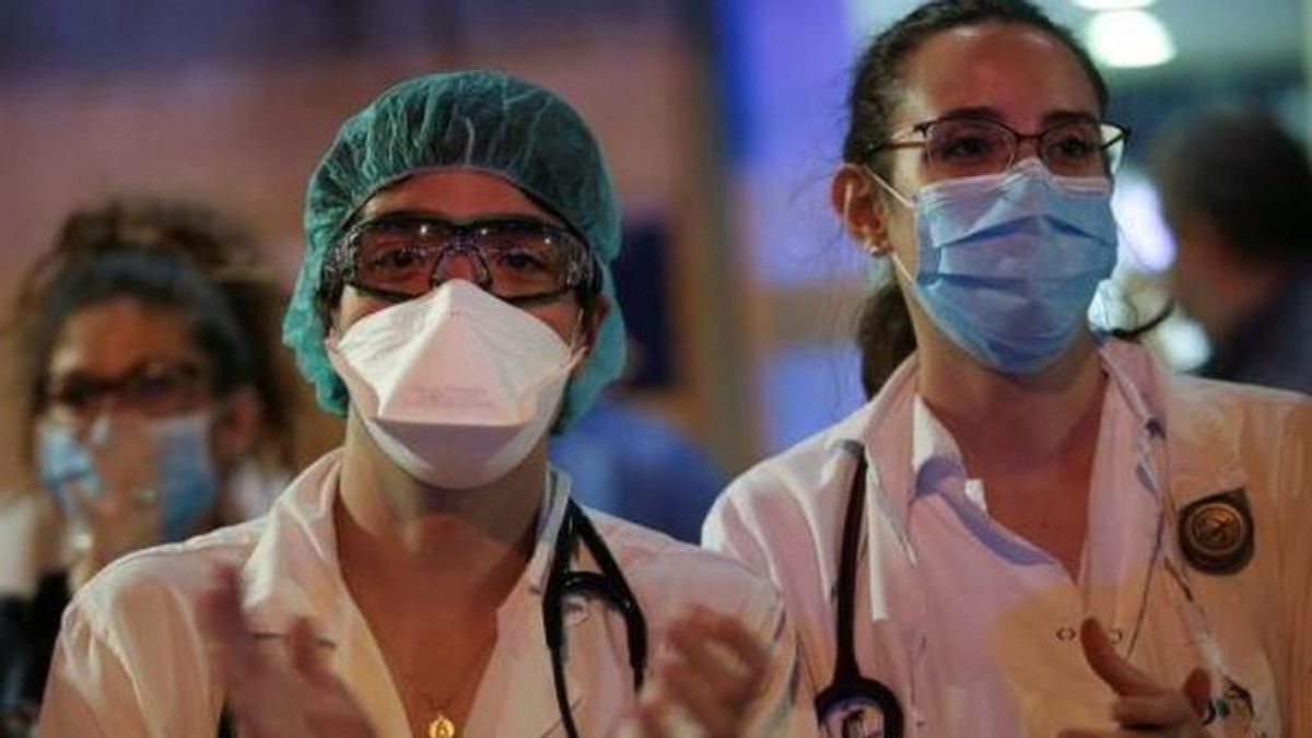 """""""Gracias"""", el contrapunto positivo a los mensajes insolidarios que reciben sanitarios y trabajadores esenciales"""