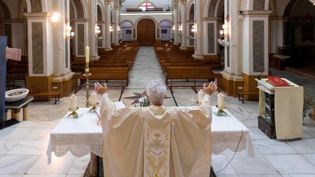 Abogados Cristianos se querella contra el ministro Marlaska por interrumpir celebraciones religiosas