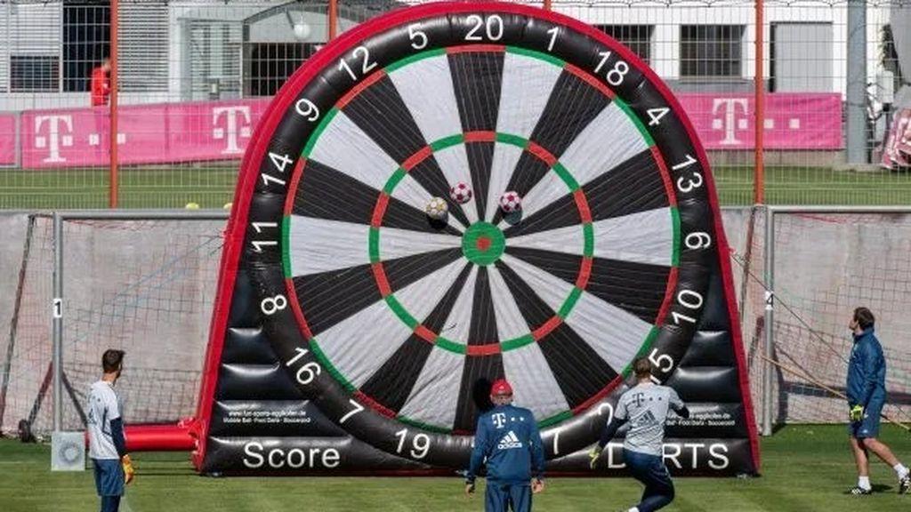 El Bayern de Munich entrena con una diana gigante para tratar de mantener el distanciamiento social por el coronavirus