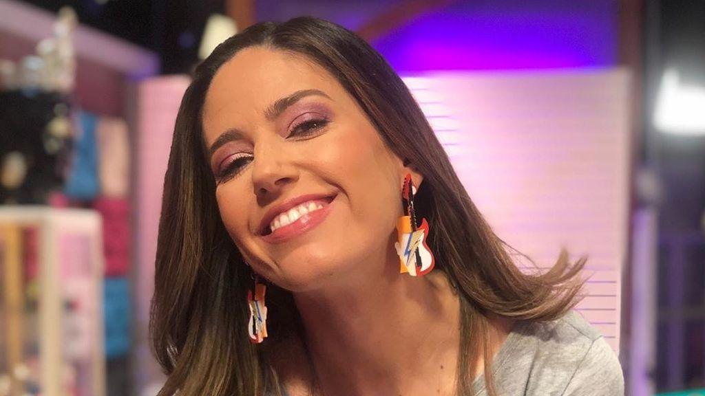 """Nuria Marín se quita el bigote en directo: """"El contenido que merecéis"""""""