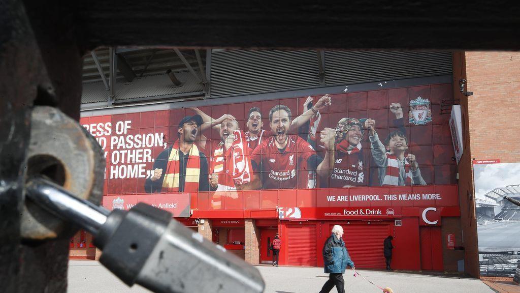 El estadio de Anfield, durante el confinamiento.