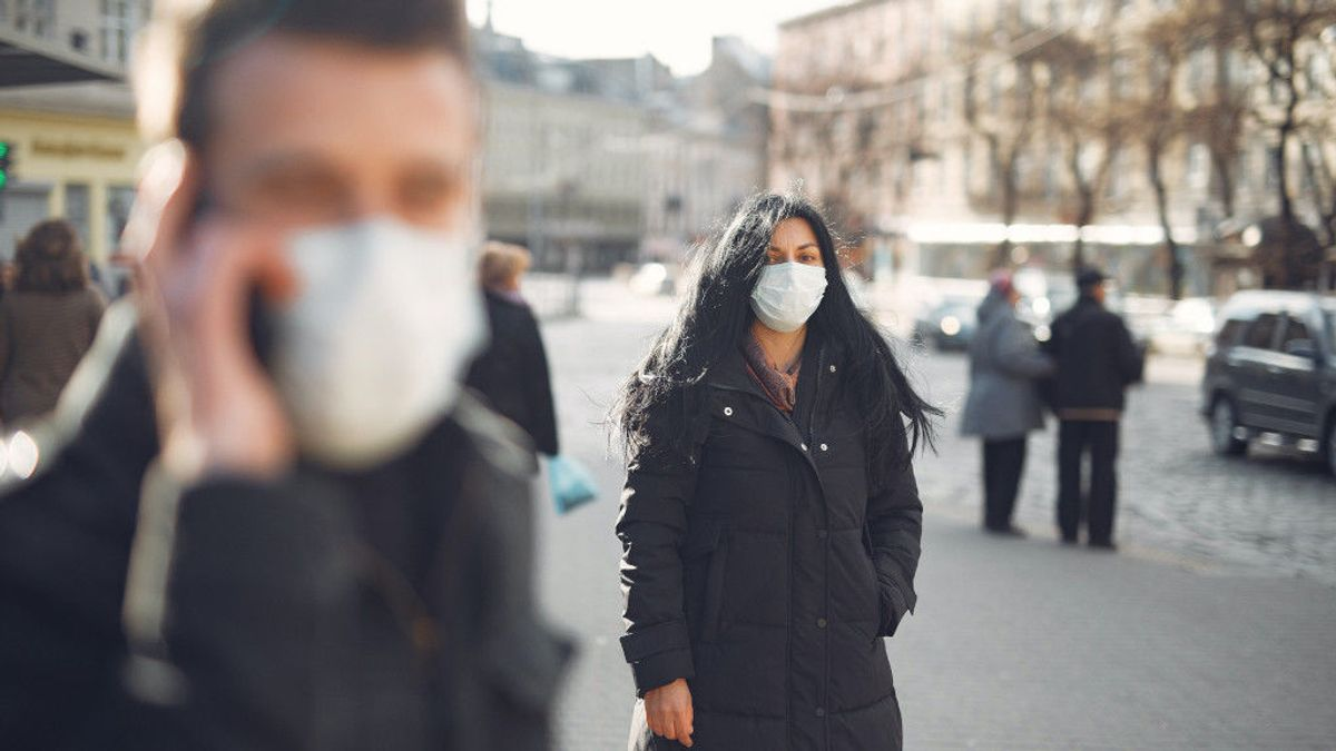 El epidemiólogo Oriol Mitjà avisa que habrá rebrotes del virus y propone un carné de inmunidad
