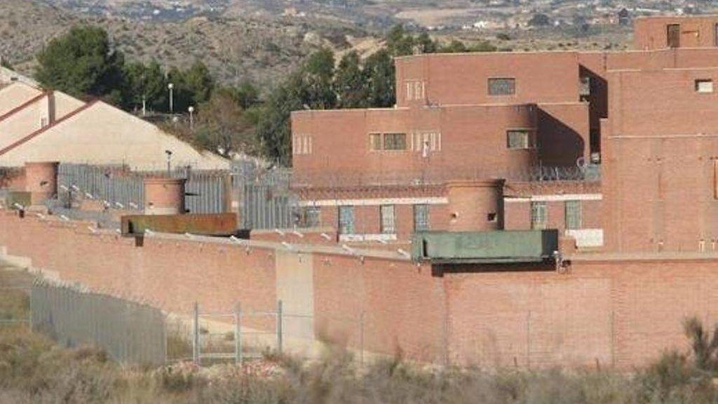 Plan de fuga frustrado: Dos presos reincidentes intentan huir de la cárcel de Foncalent