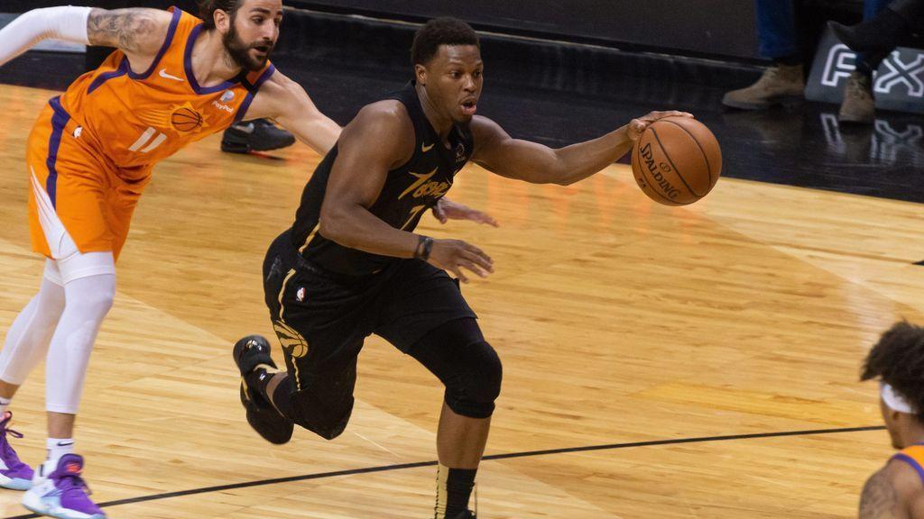 Kyle Lowry jugando un partido con los Raptors en la NBA