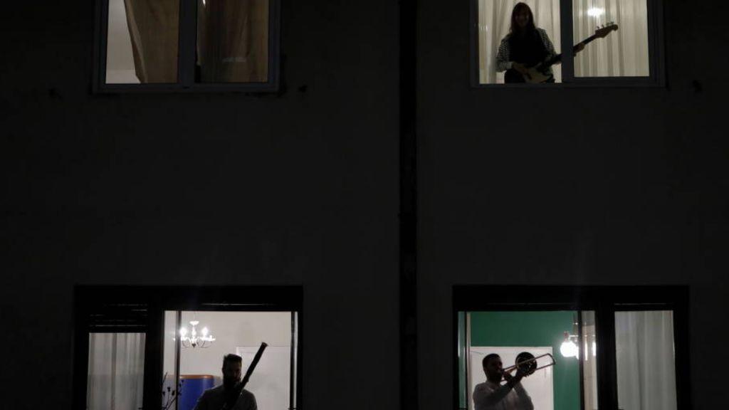 Radiografía a los hogares españoles: lo que les quita el sueño, lo que ven, lo que sienten en el confinamiento