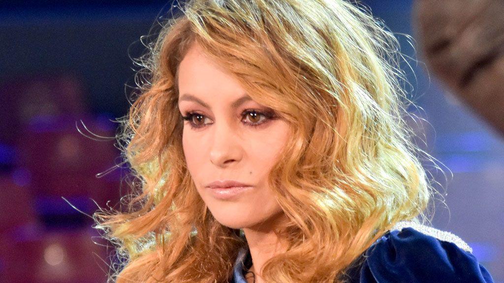 Paulina Rubio se avergüenza de su polémico vídeo: lo retira y lanza otro riéndose de sí misma